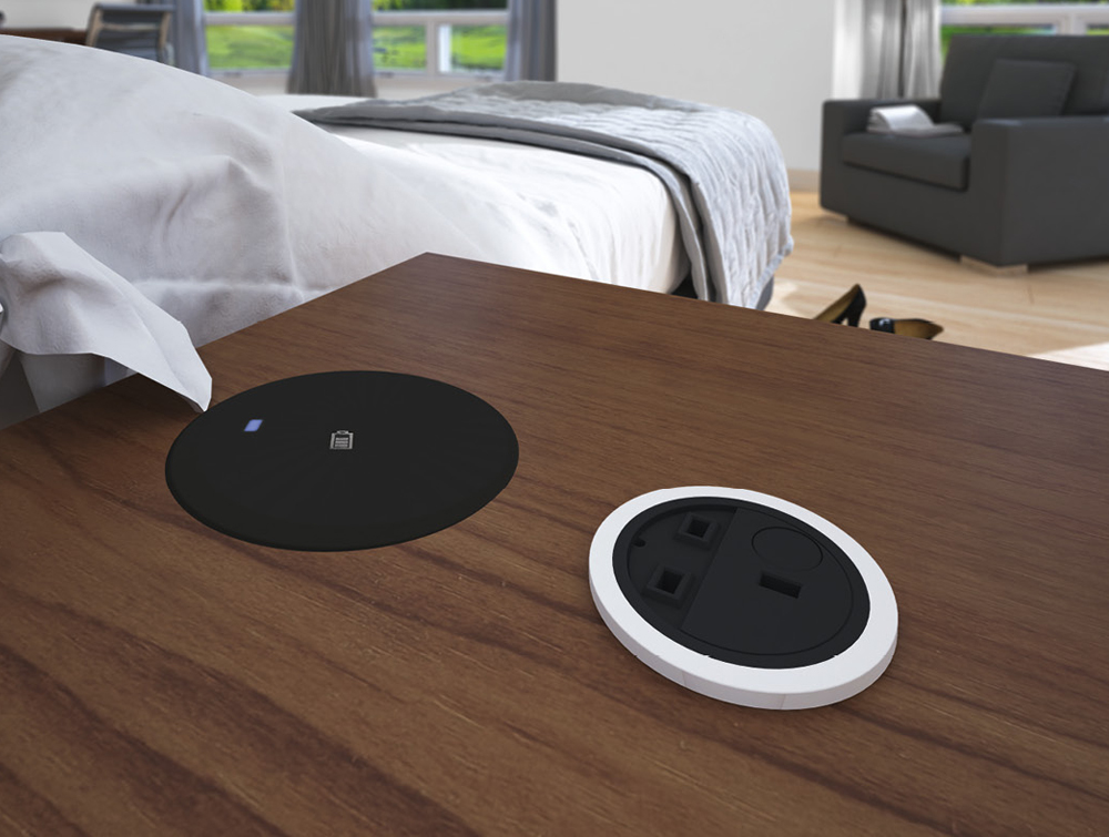 Bachmann-Wireless-Smart-Charger-with-Royal-Oak-Desk-in-Bedroom