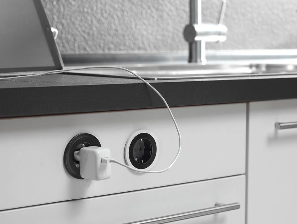 Bachmann-Pix-Round-Power-Socket-Black-Colour