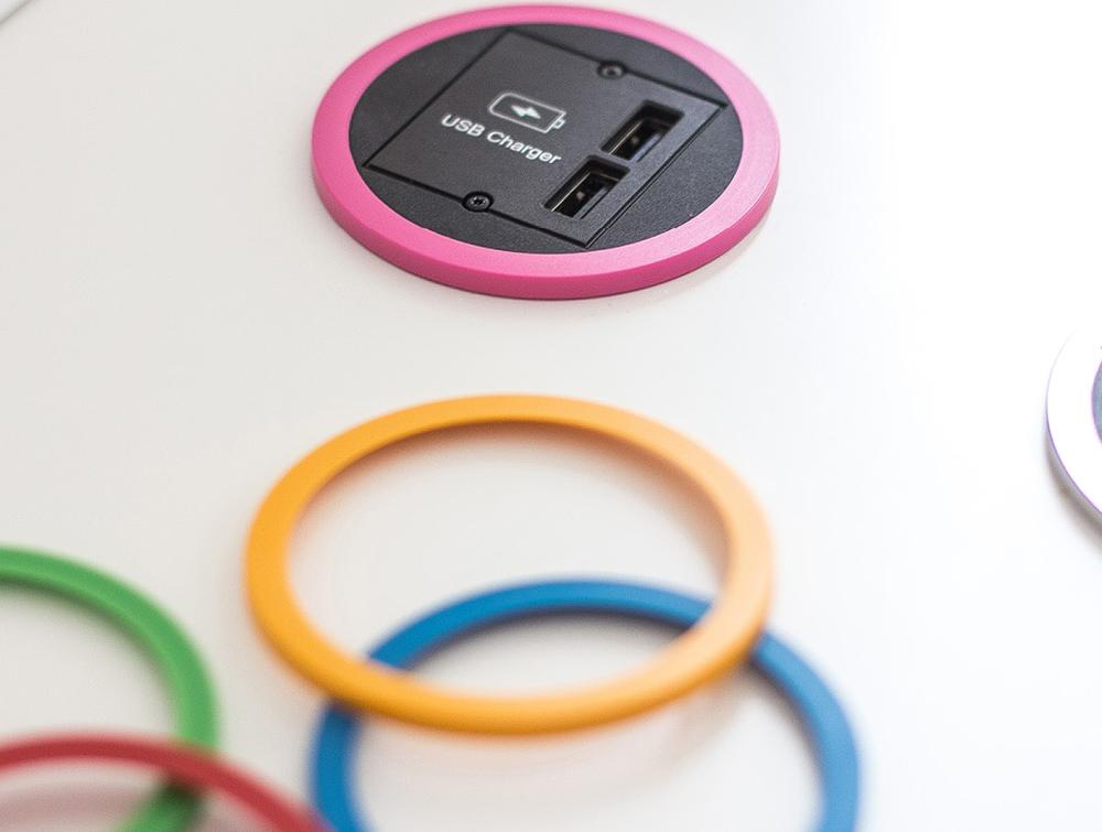 Bachmann-Pix-Round-Power-Socket-Pink-Colour-Closeup