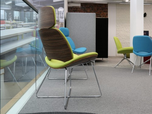 Era 4 Star Swivel Lounge Green Chair with Wooden Back