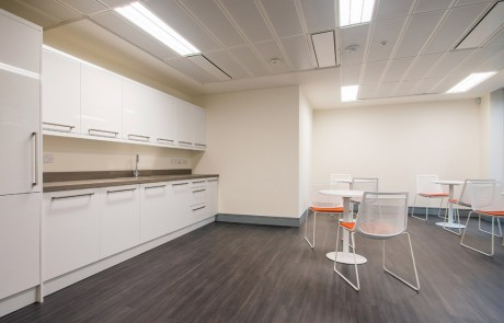 Apex-Office-Layout-White-Mesh-Canteen-Chairs-with-White-Round-Coffee-Table