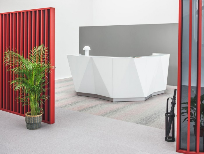Alpa Reception Desk Summer White with White Light Box and Grey Base