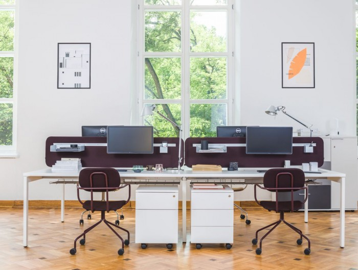MDD New School Swivel Castor Wheel Chair in Purple Metal Frame for Open Office