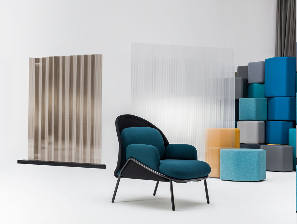 Mesh Armchair with Low Shield for Reception Areas