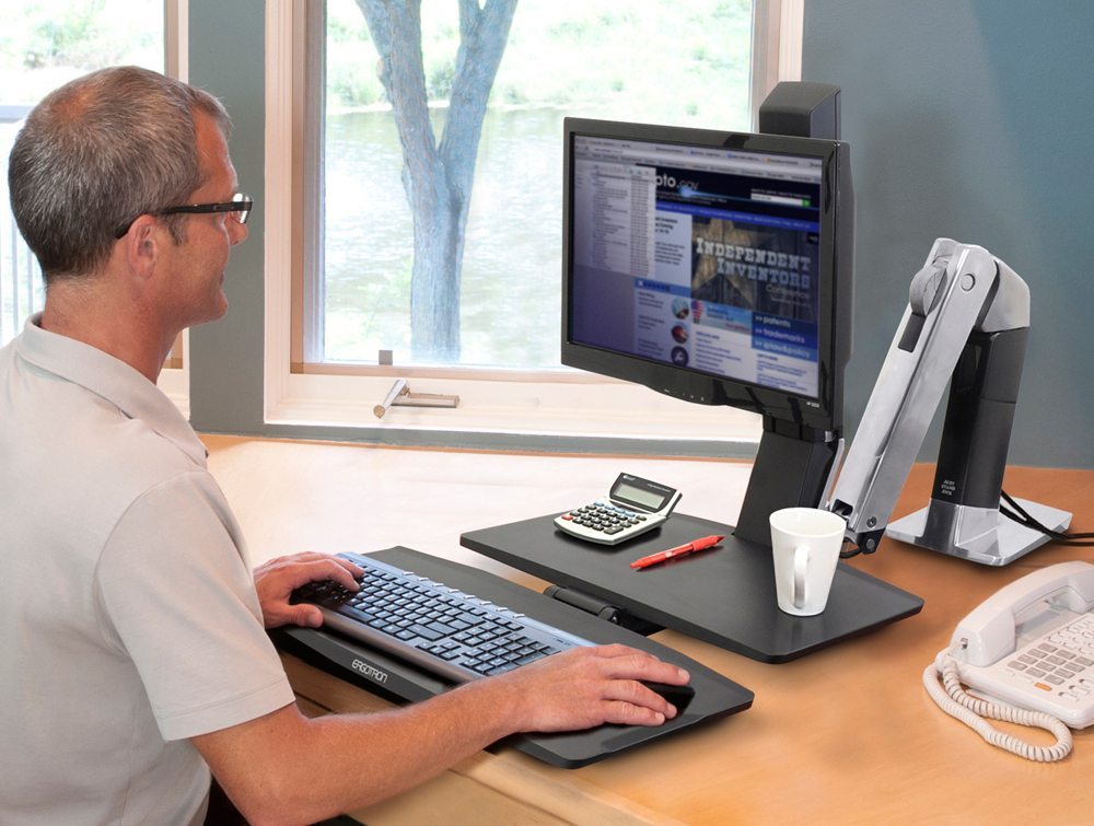 Ergotron workFit A single LD with worksurface