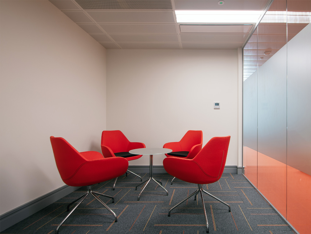 Apex Office Layout Meeting Room Orange Tub Meeting Chairs with Round Glass Table in 4 Star Base