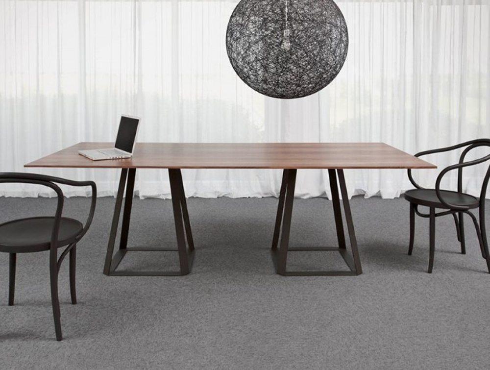 Balma H2 Meeting Table with Metal Base