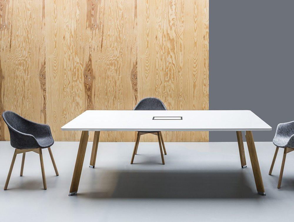 Balma Simplic Round Meeting Table With Metal Base - Modular meeting table