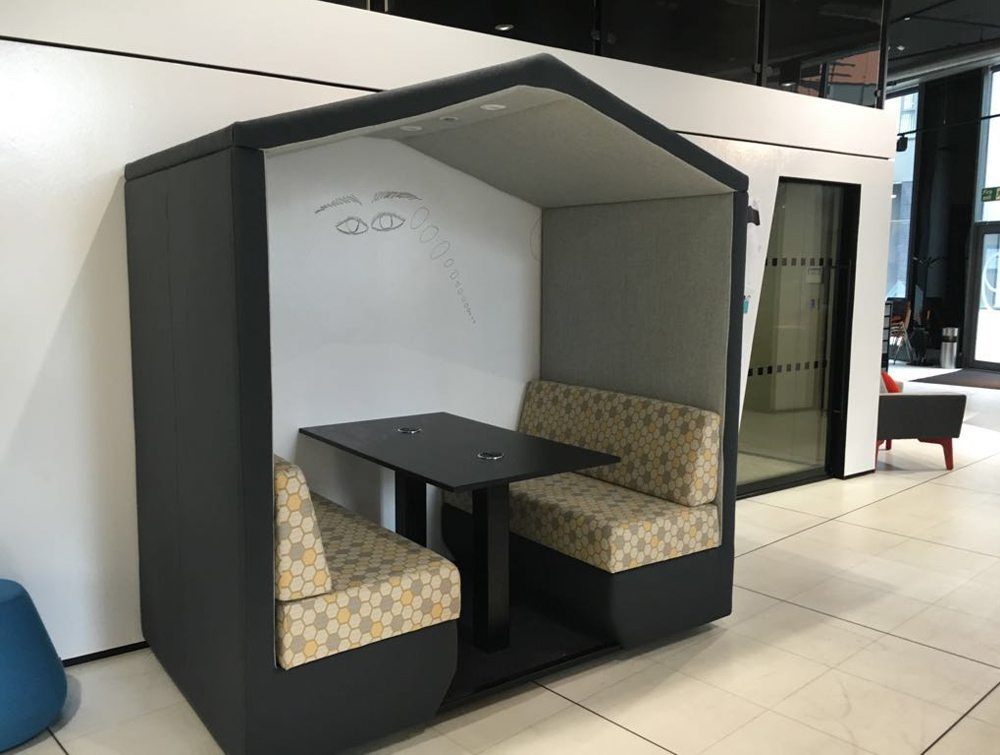 Bea 6 seater meeting pod royal black colour with overhead LED light