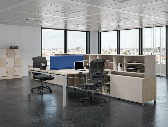 Buronomic Astro Desk for Open Space 5 with blue table division on tabletop and black chair in office.jpg