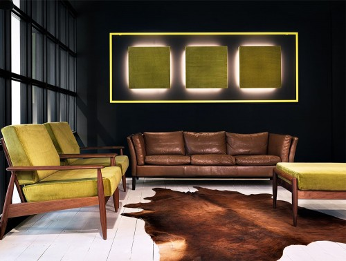 BuzziClipse-Acoustic-Panel-Plus-LED-Back-Light-Green-Waiting-Room-with-Sofa