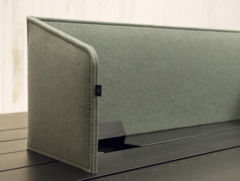 BuzziDesk-Flexible-Acoustic-Workstation-Green-Flaps-Movable-on-Desktop