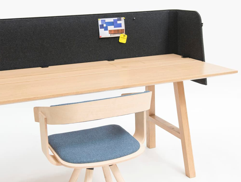 BuzziDesk-Half-Front-Desk-Acoustic-Grey-on-Beech-Table-with-Chair