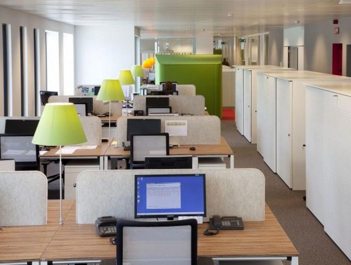 BuzziDesk-Rectangular-Acoustic-Workstation-Desk-Dividing-Screen-in-Open-Plan-Office