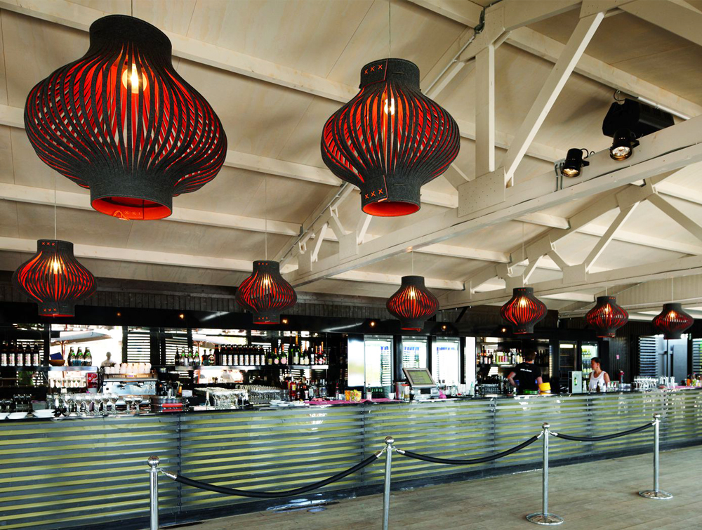 BuzziLight-Mono-Decorative-Acoustic-Ceiling-Light-Bar-Black-and-Red