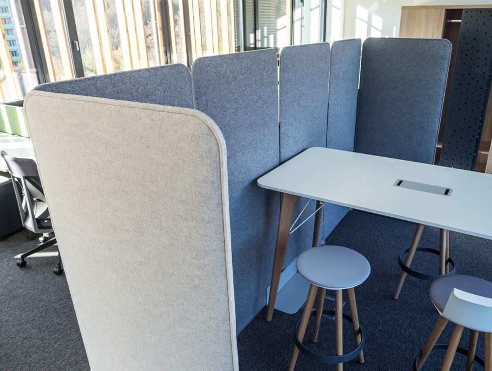 BuzziScreen Modular Freestanding Acoustic Office Divider in Grey Medium Size