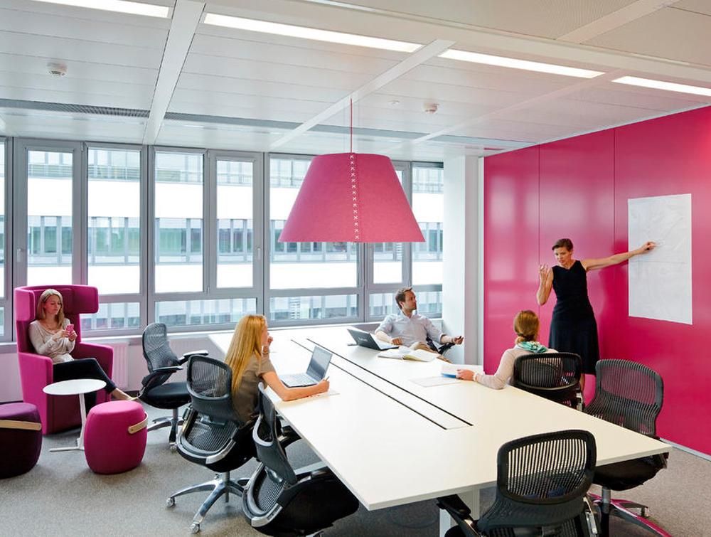 BuzziShade-Acoustic-Pendant-Ceiling-Light-Pink-Fuchsia-Meeting-Room-Striking-Colour