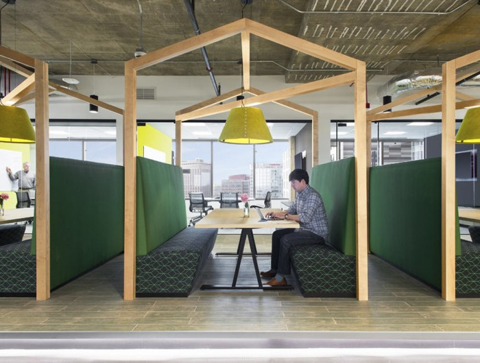 BuzziShade-Acoustic-Pendant-Ceiling-Light-Working-Space-Green