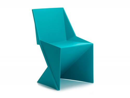 Dynamic freedom stackable chair in green polypropylene