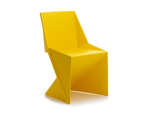 Dynamic freedom stackable chair in yellow polypropylene