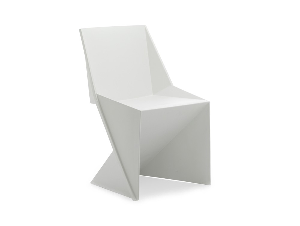 Dynamic freedom stackable chair in white polypropylene