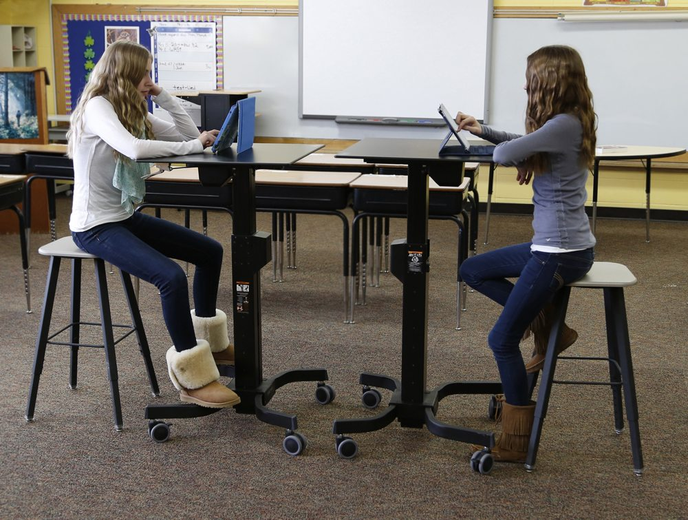 Ergotron learnfit adjustable standing desk 810mm height for Used school furniture outlet