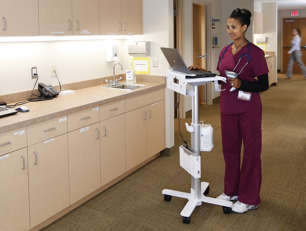 Ergotron StyleView Laptop Cart SV10 in use