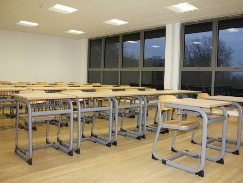 Form Cantilever Secondary School Classroom Single Desk with Chairs