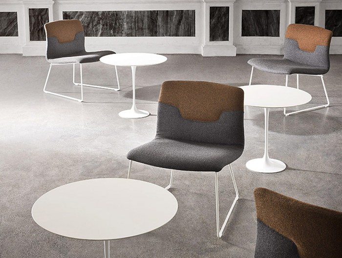 Gaber-Saturno-Round-Table-with-Trumpet-Base-in-Sitting-Area