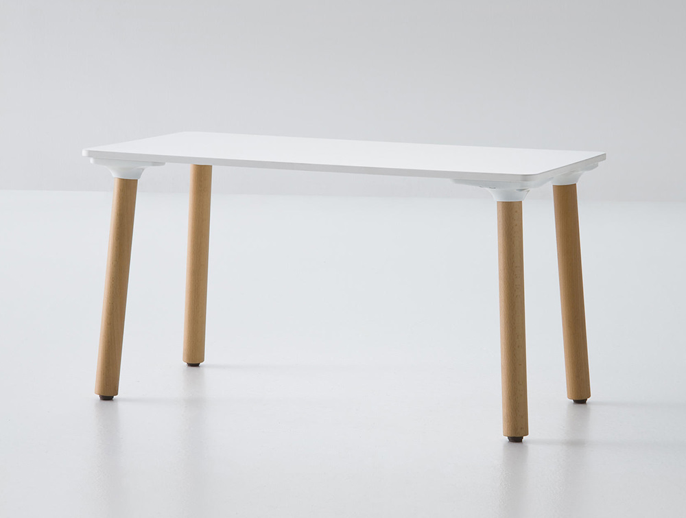 Gaber-Stefanino-Table-Full-View