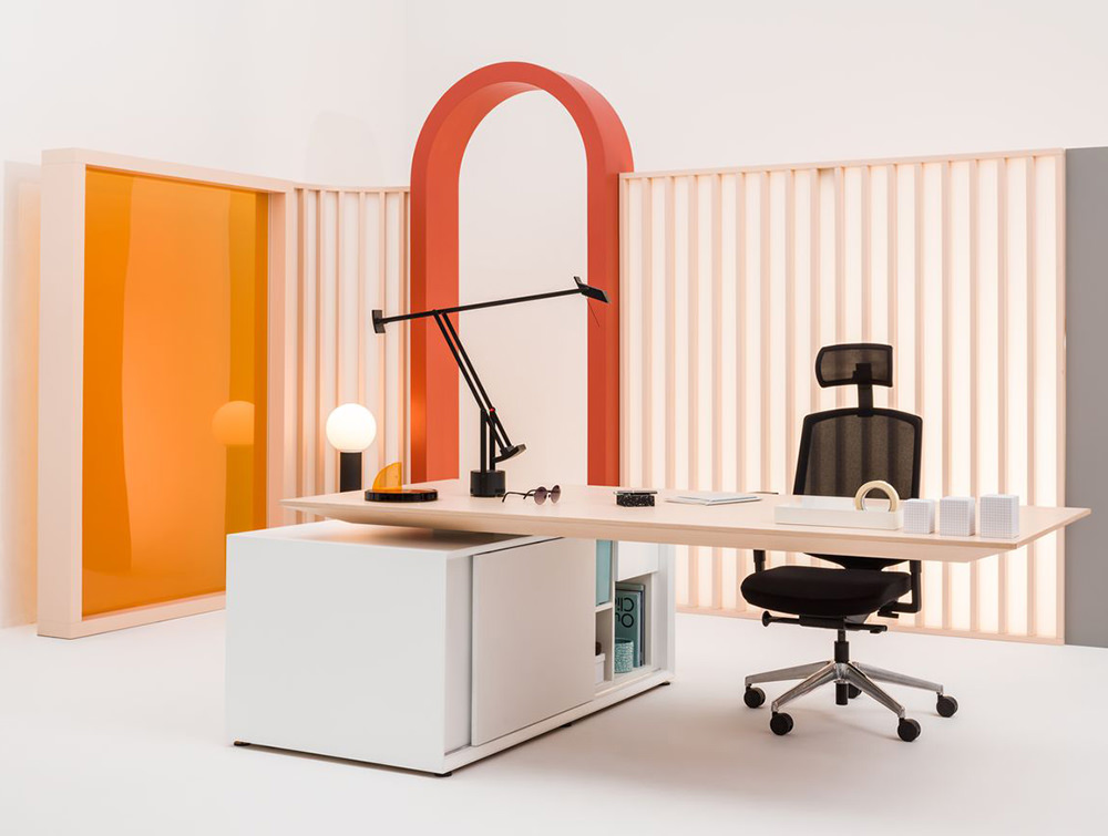 Gravity-Electric-Sit-Stand-Executive-Manager-Desk-with-Side-Storage-in-Office-Showroom