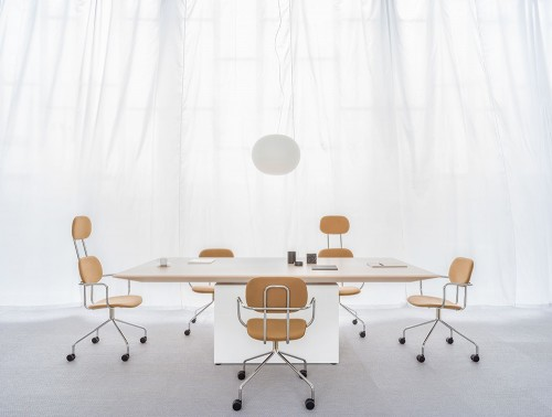 Gravity-Executive-Electric-Sit-Stand-Conference-Table-with-Chairs-in-Meeting-Room