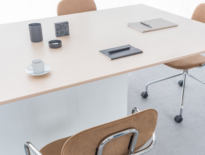 Gravity-Executive-Electric-Sit-Stand-Conference-Table-with-Stationeries