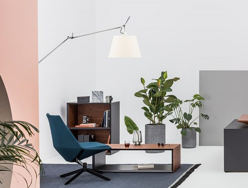 Gravity-Rectangular-Low-Coffee-Table-in-Office-Showroom