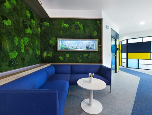 Green-Mood-Green-Walls-Forest-in-Nordic-Food-Office-Seating-Area