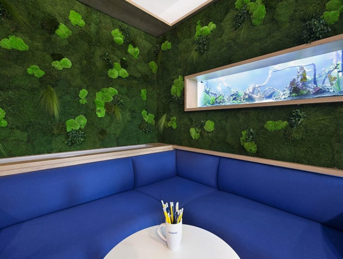 Green-Mood-Green-Walls-Forest-in-Nordic-Food-Office-Seating-Area-Close-View