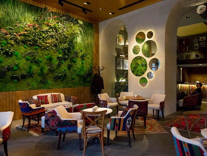 Green-Mood-Green-Walls-Forest-in-Passage-Corner-Seating-Area