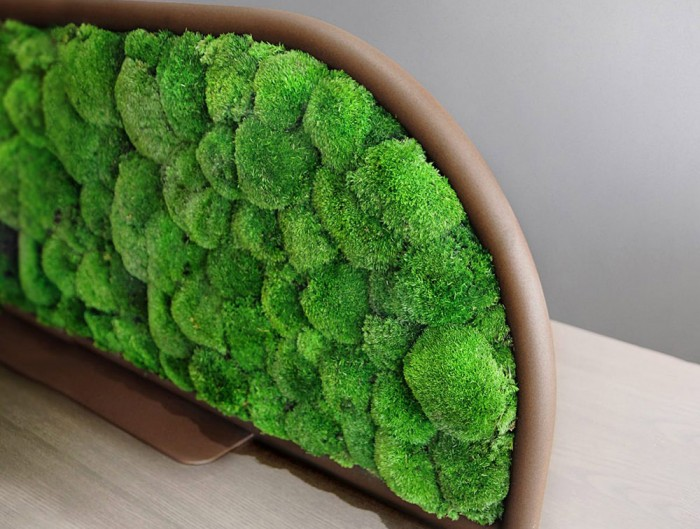 Green-Mood-Moss-Acoustic-Desk-Screens-with-Corten-Structure-Close-Up