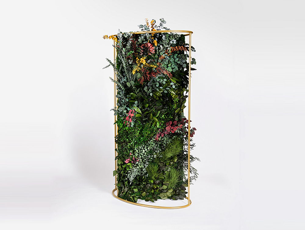 Green-Mood-Moss-Acoustic-Room-Dividers-with-Brass-Structure-and-Forest-Flower-Filling