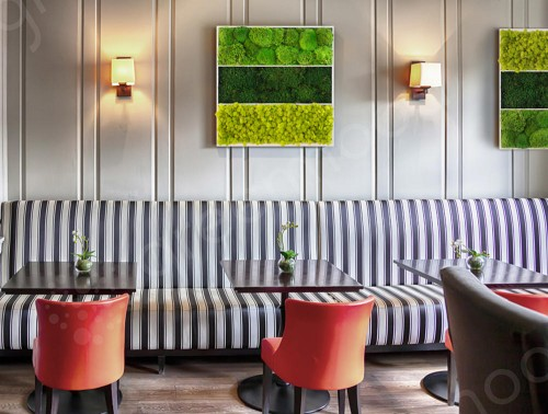 Green-Mood-Triple-Unique-Moss-Frame-in-Dining-Area