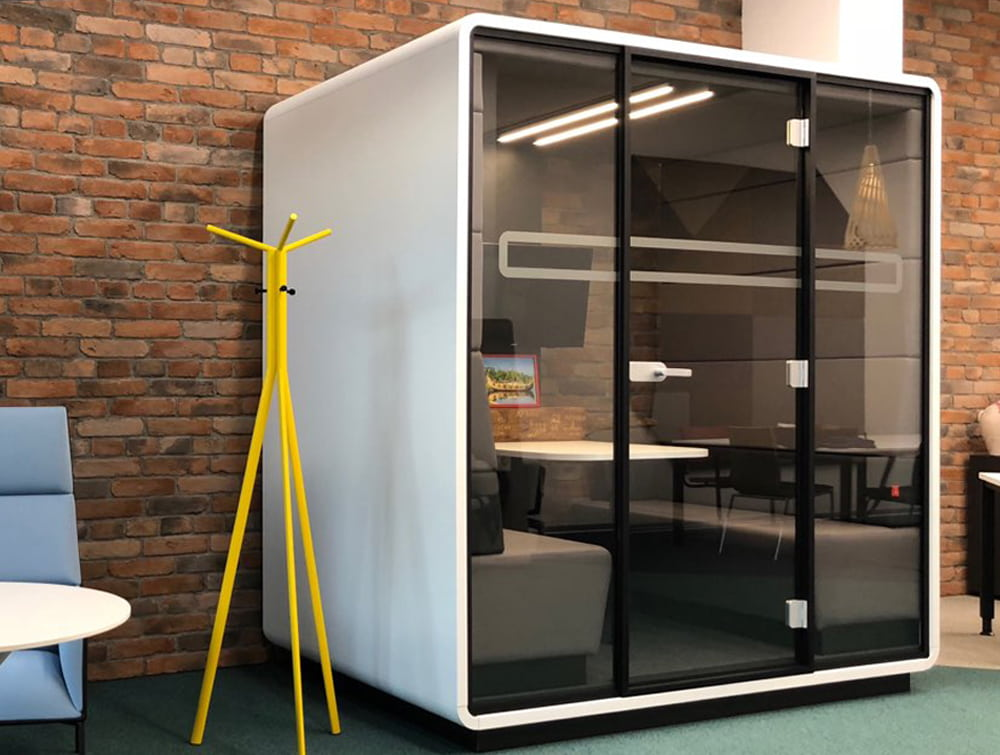 Hush Meet Acoustic Meeting Pod with TV Screen