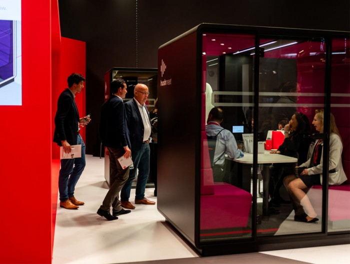 Hush Meet Meeting Pod with Acoustic Glass with Handle