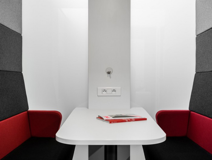 Hush Meet Open Acoustic Meeting Pod with Power Module Table and Benches