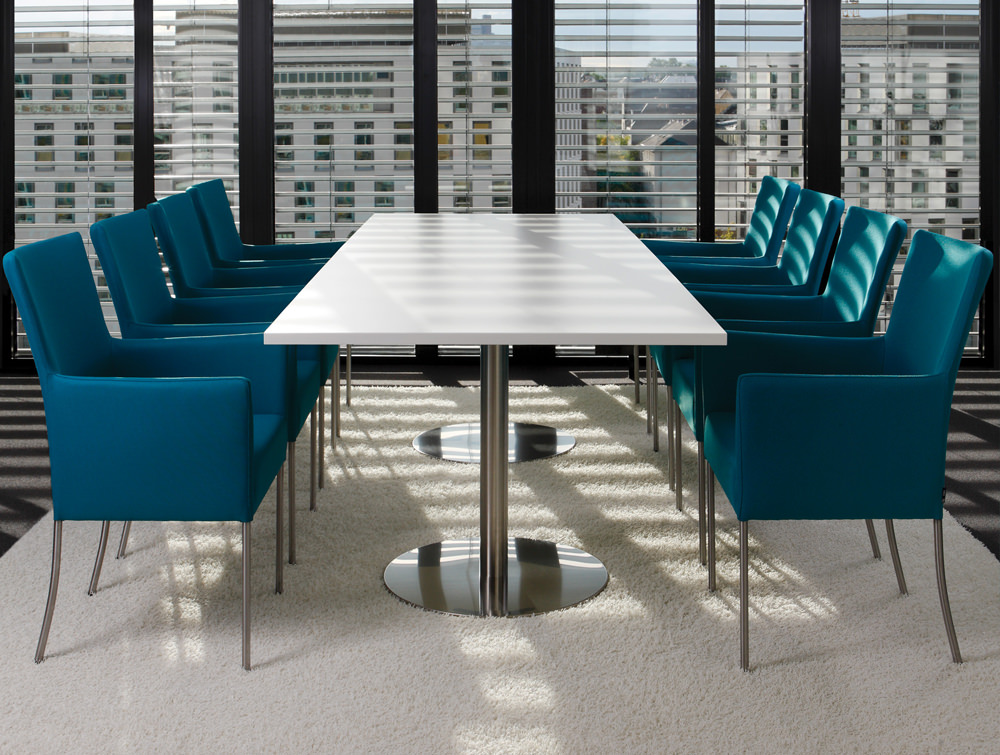 Kleiber Time Series Meeting Room Chairs with White Table