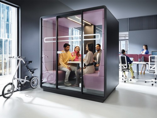 Mikomax-Hush-Meet-Acoustic-Meeting-Pod-with-Black-Exterior-and-Purple-Interior-in-Situ