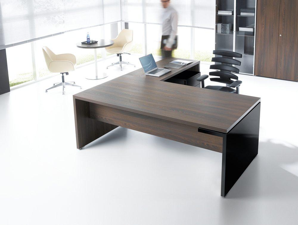 Mito executive desk top angle