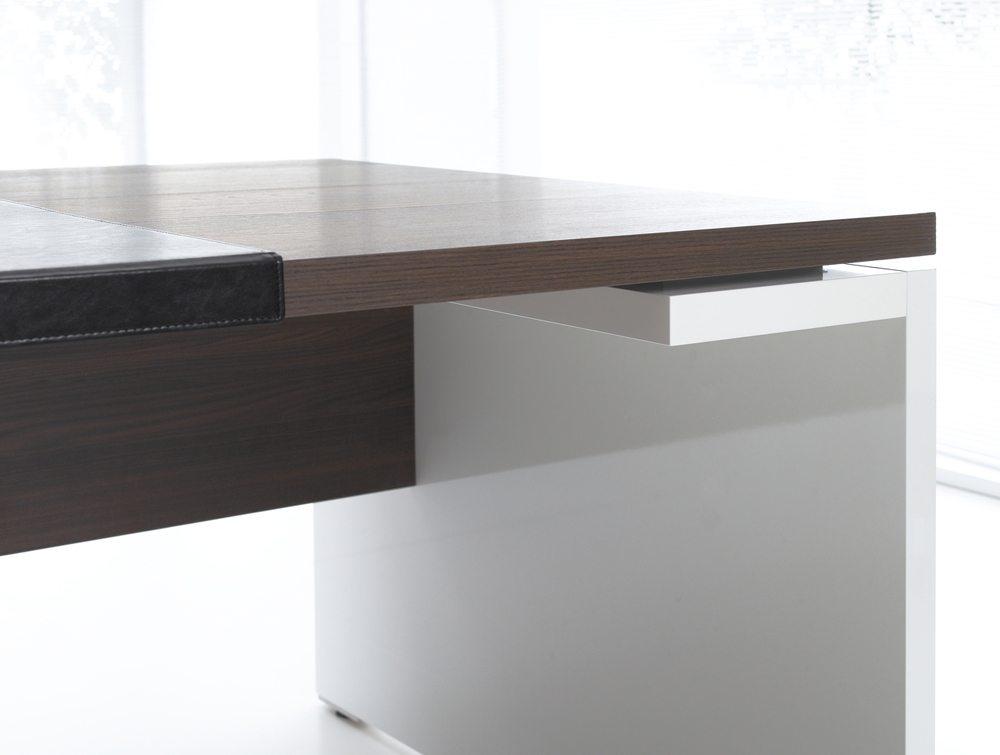 Mito executive desk details