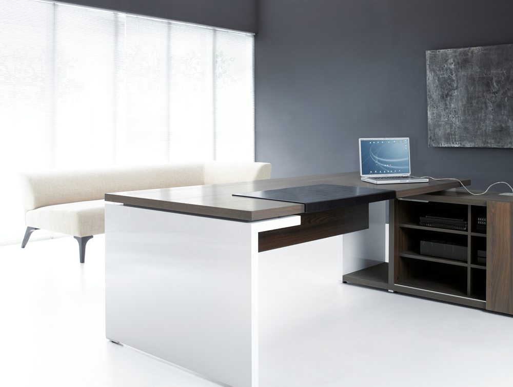 Mito executive desk side angle