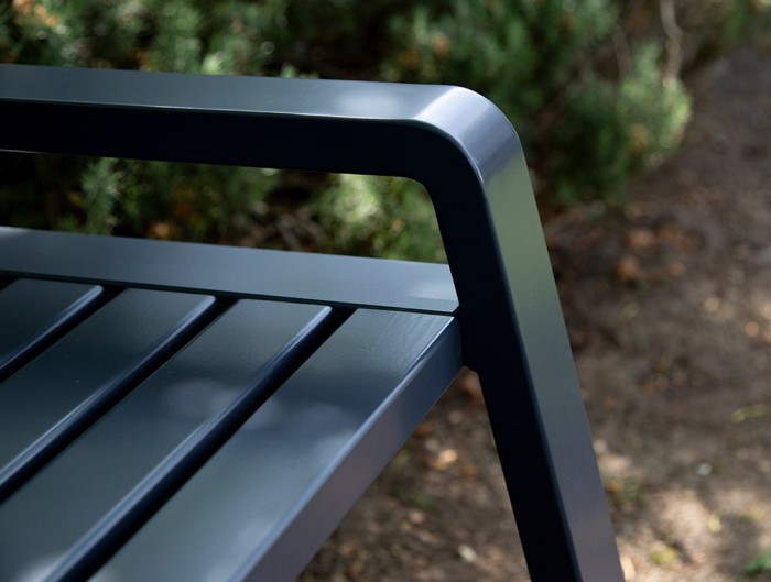 Osti Canteen Outdoor Bench Frame in Anthracite Finish