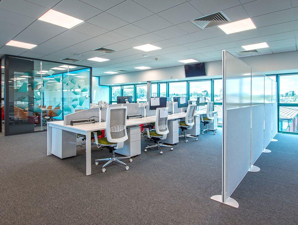 Privacy screen in office floor